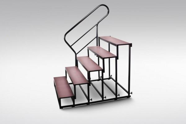 schody modułowe przy scenie mobilnej