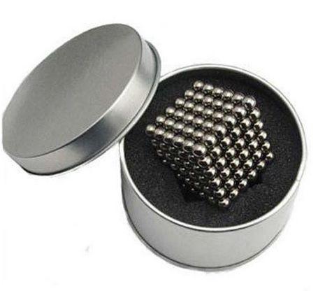 kulki magnetyczne w metalowym opakowaniu