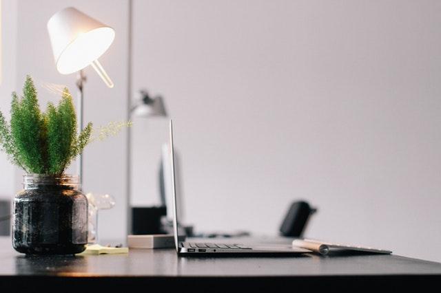 lampki biurkowe nowoczesne