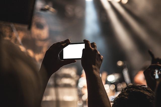 jakie dzisiaj są TOP10 najlepsze smartfony do 1500 zł powiedz proszę