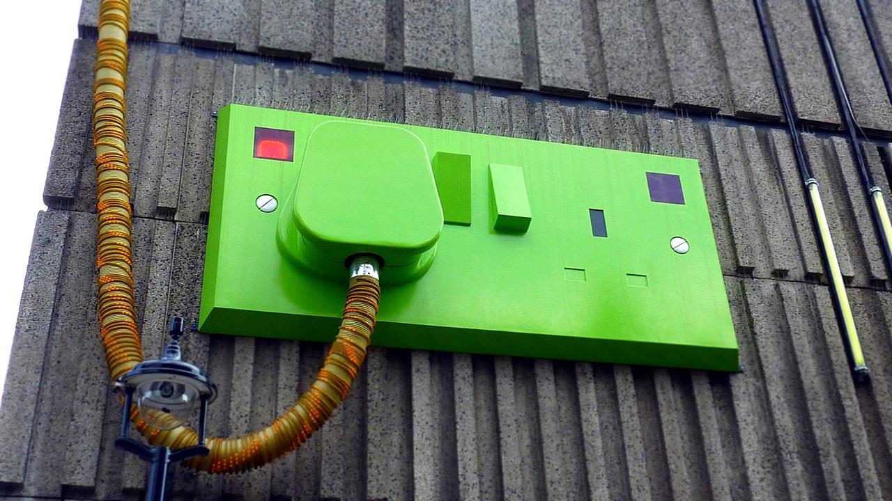 aparatura elektryczna zielona