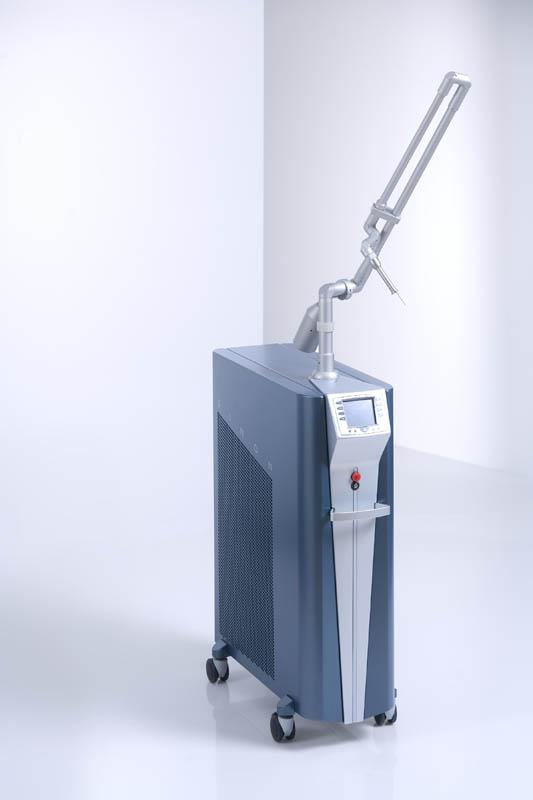 laser rubinowy złożony