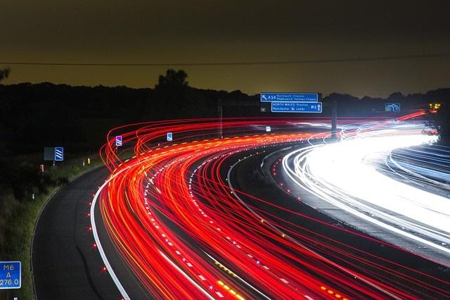 W gęstym ruchu drogowym przyda się kamera taka jak siv m9s dual