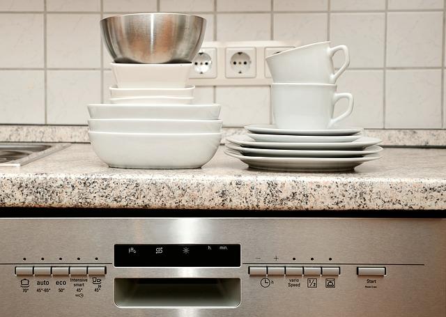 Wyposażenie każdej kuchni - zmywarki do zabudowy