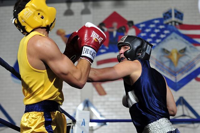 Niezbędny ochraniacz na głowę - kask bokserski