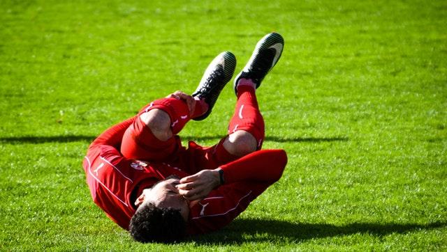 zakłady piłkarskie - piłkarz