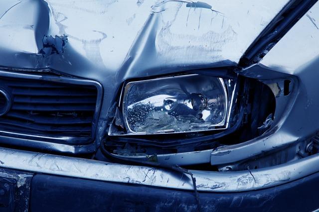 Wypadek samochodowy za granicą jak się zachować?