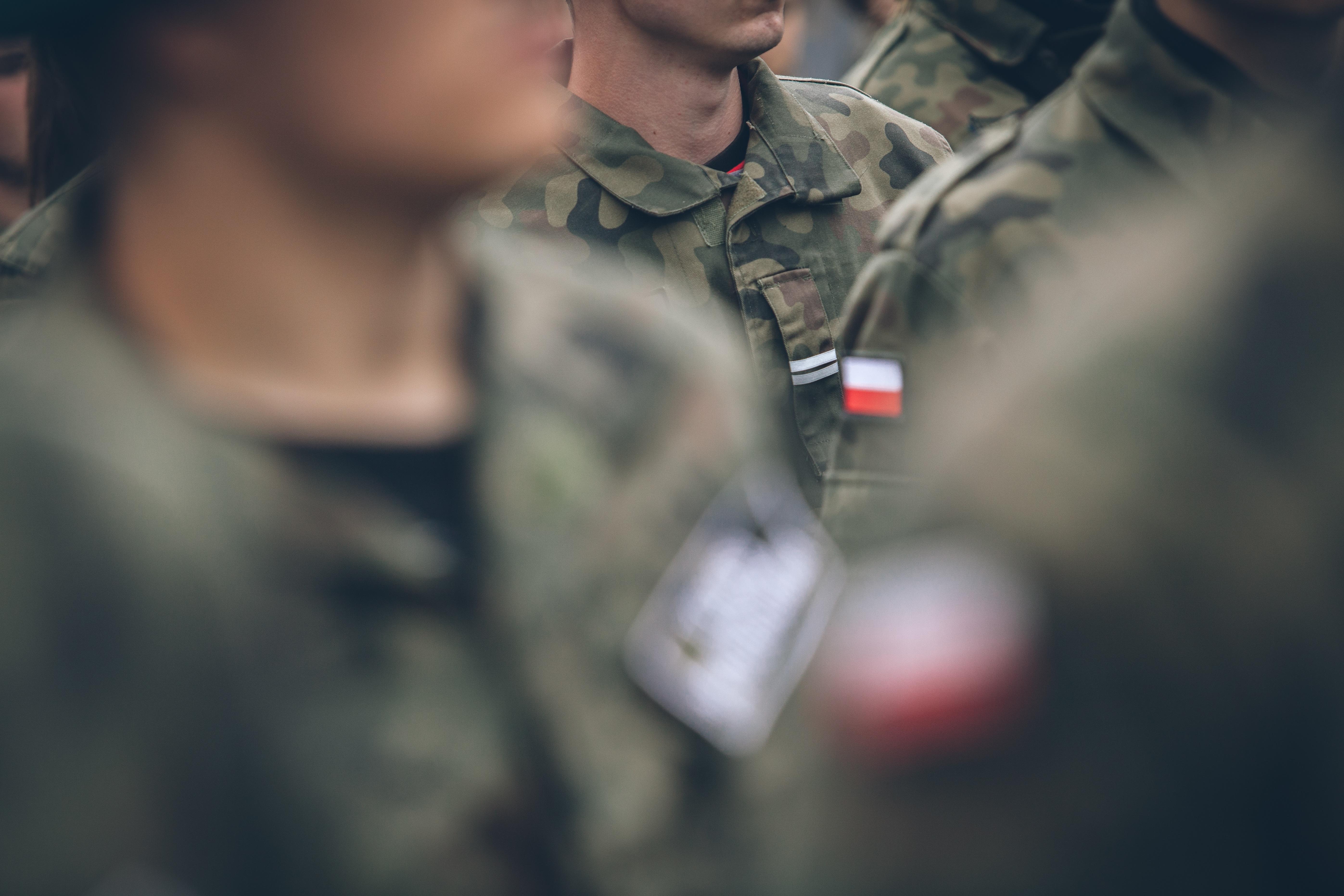 Elementy z jakich składa się mundur wyjściowy Wojska Polskiego