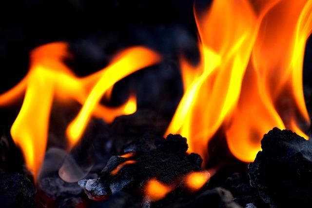 Zawór przeciwpożarowy ogranicza możliwość łatwego rozprzestrzeniania się ognia.