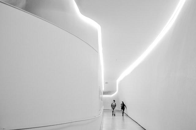 Taśmy LED w korytarzu
