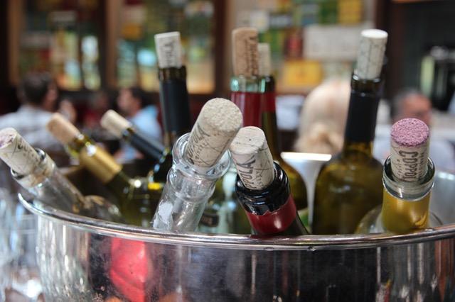 Przewóz alkoholu wymaga wielu specjalnych pozwoleń.