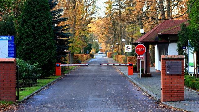 Szlabany parkingowe pomaga nam uzyskać kontrolę nad tym, kto wjeżdża na nasz teren.