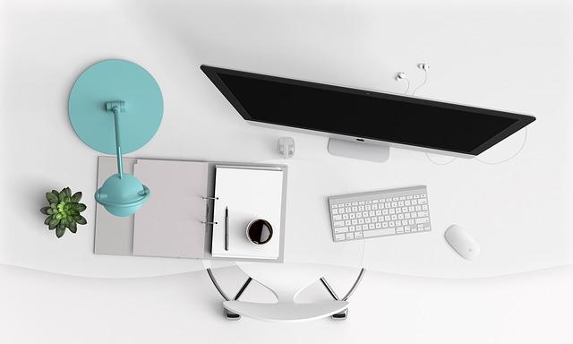 Komputer all in one: porządek na biurku