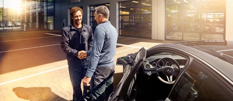 Przeglądy serwisowe Mercedes to bardzo tania i profesjonalna usługa.