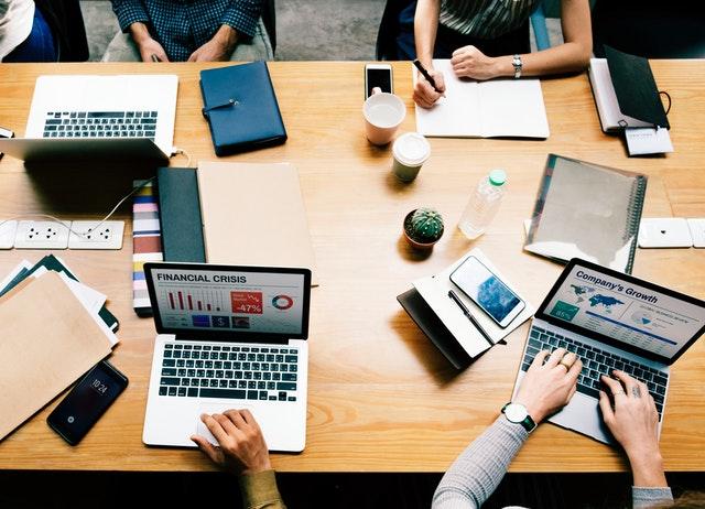Laptopy 18,4 cala na Ceneo.pl to szeroki wybór urządzeń w przystępnych cenach