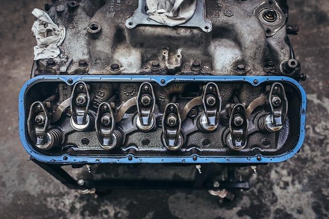Czujnik ciśnienia oleju informuje o problemach w układzie smarowania
