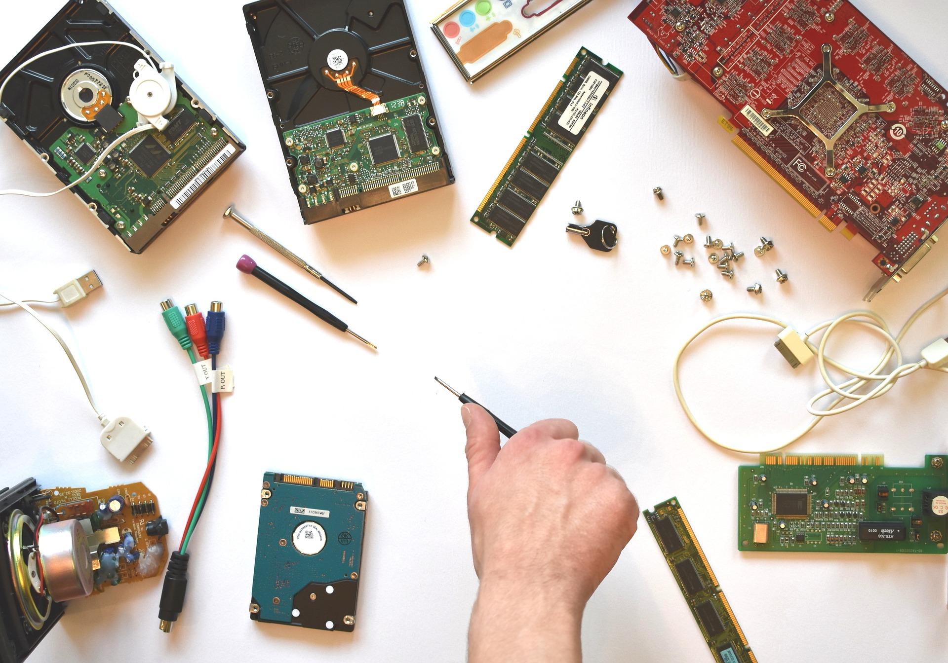 Jak rozpocząć przygodę z elektroniką - kursy elektroniki