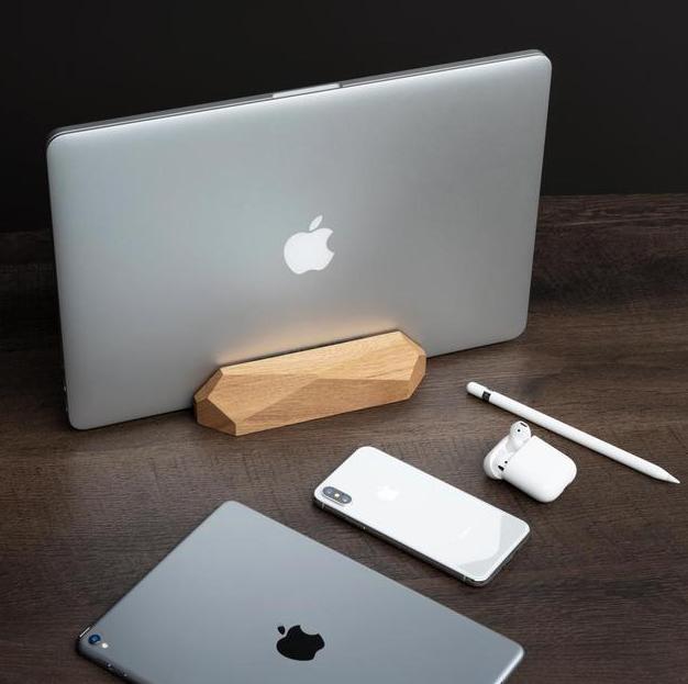 Stacja dokująca macbook to produkt, który znajdziesz w atrakcyjnej cenie w sklepie internetowym Oakywood