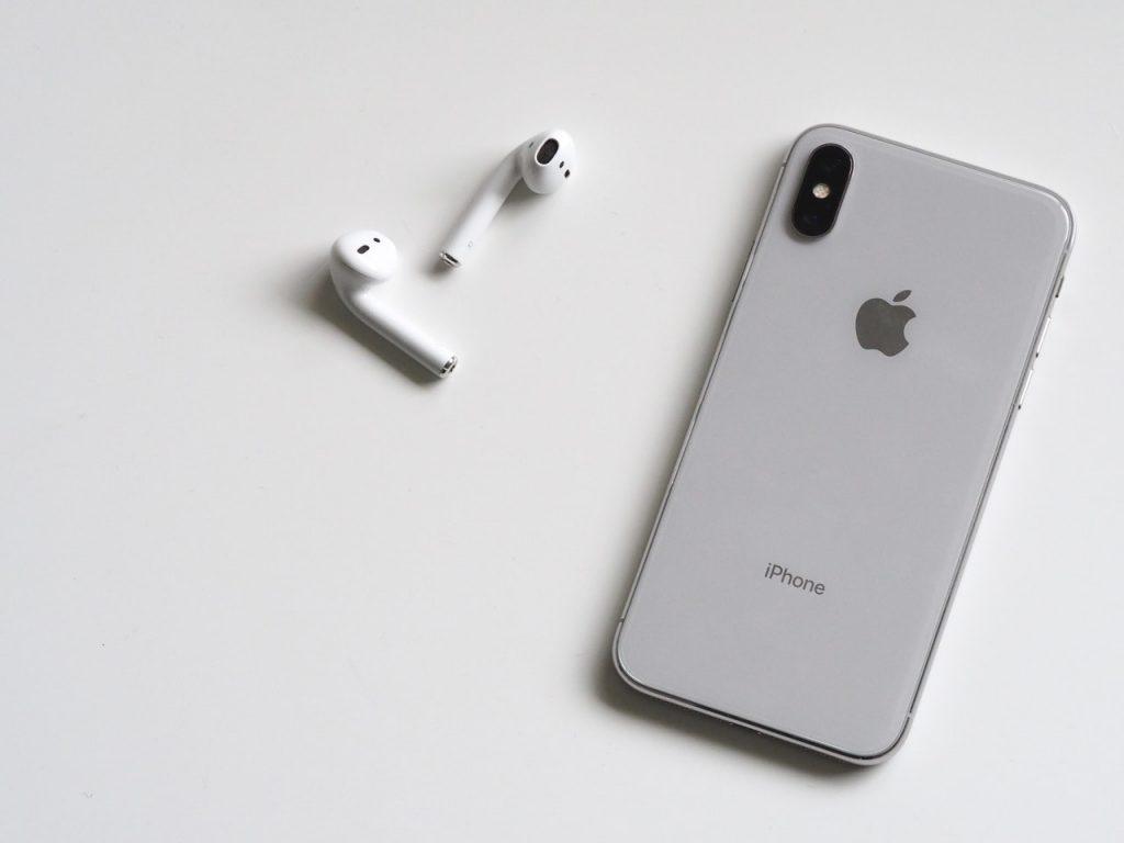 Dobrym sposobem na wymianę wyświetlacza iPhone jest skontaktowanie się z autoryzowanym serwisem.
