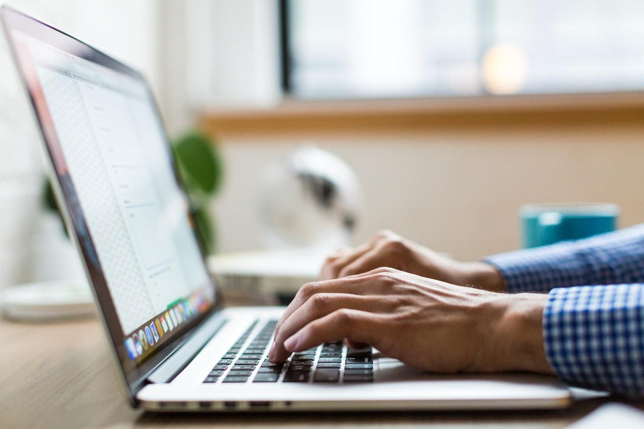 Naruszenie dóbr osobistych w internecie - jak z tym walczyć?